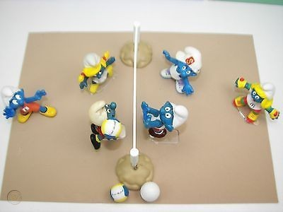 smurf-homemade-beach-volleyball-six_1_cab77bd6a3d10b9f6ee81d00dfd81396